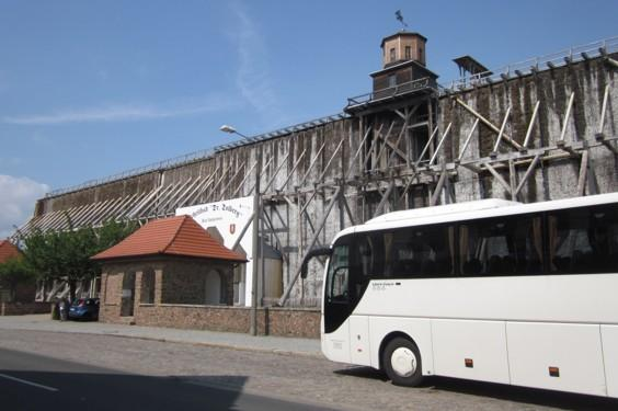 11_Bus am Gradierwerk (1).JPG