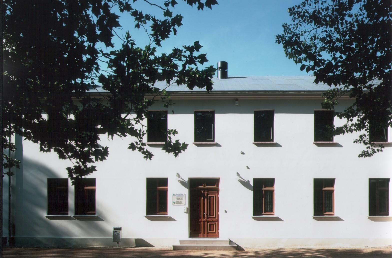 Haus Front Badepark 4
